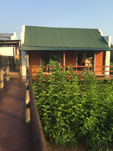 africa-silks-shop-outside