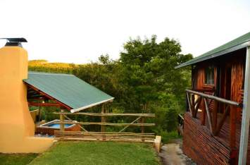 braai-jacuzi-2-and-3-log-cabin-outside