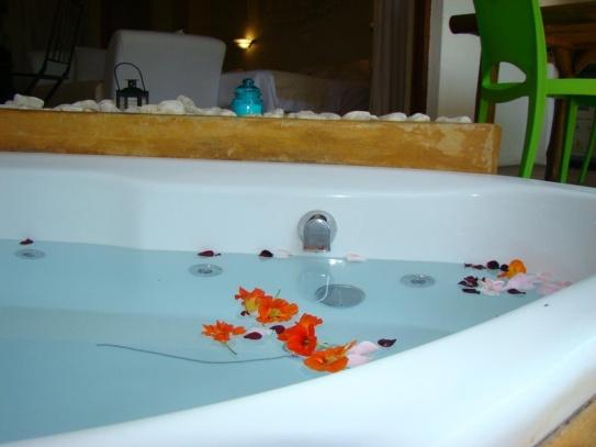 Spa Bath, Mulberry Lane Suites, Africa Silks Farm